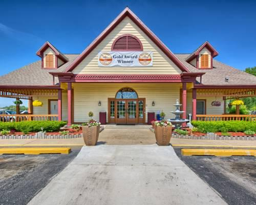 Hotels Near Gerald Ford Airport